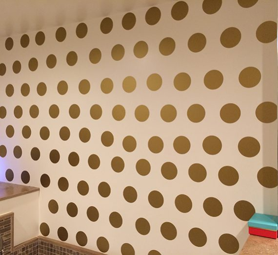 DIY Gold Polka Dot Wall. Kate Spade would be so proud!